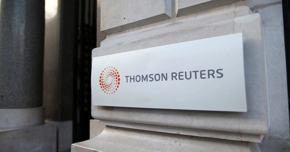 Thomson Reuters tops revenue, profit forecasts in first quarter